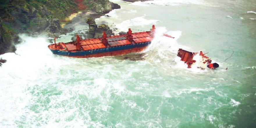 Karadeniz gemilerin geçişine izin vermiyor
