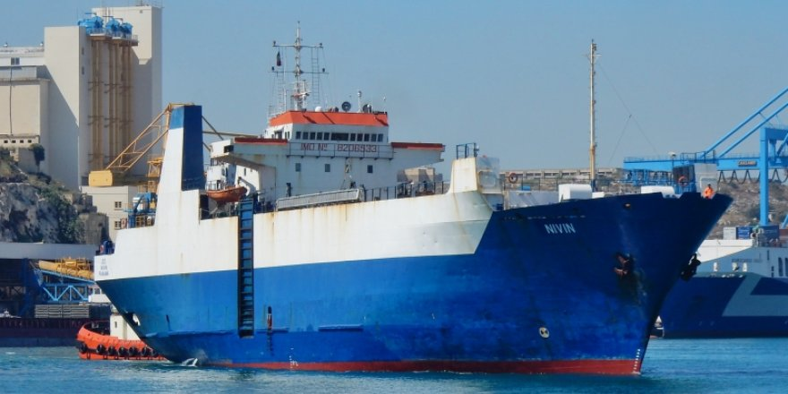 Gemiden inmeyen göçmenler tahliye edildi