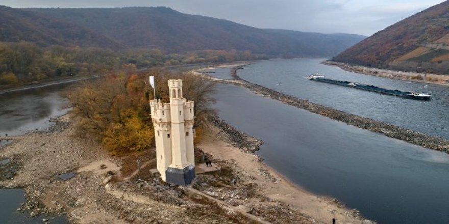 Ren Nehri Almanya'yı akaryakıt krizine soktu