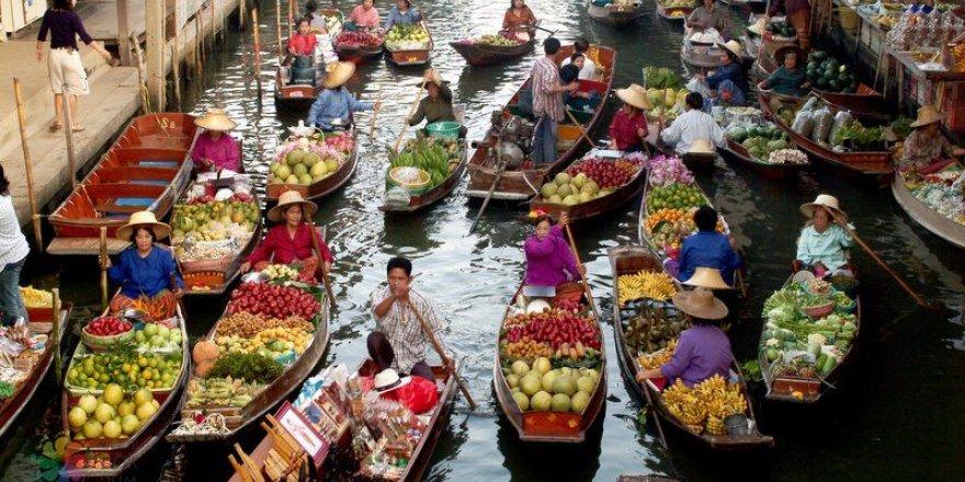 Tayland'da suyun üstünde yüzen kültür