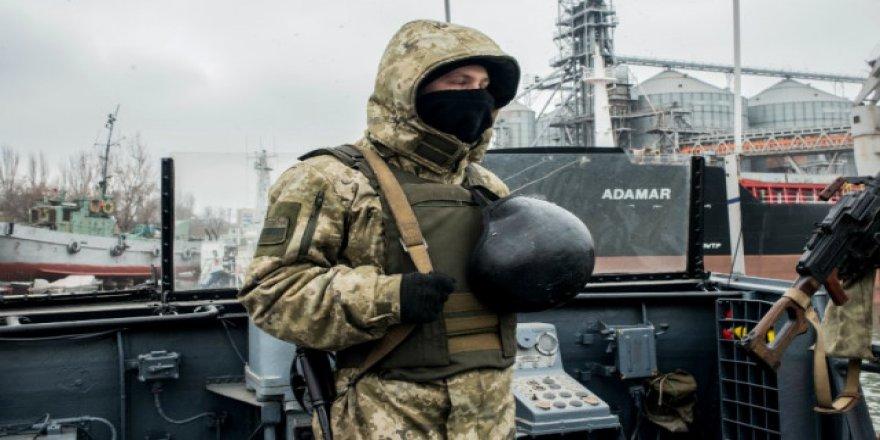 Poroşenko'dan çağrı: Savaş gemileri yollayın