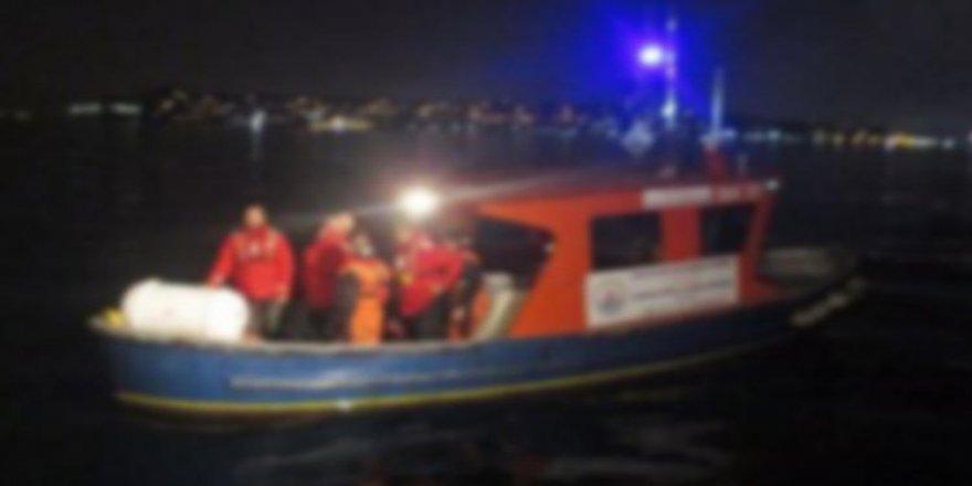Batmak üzere olan teknedekileri DAK-SAR kurtardı