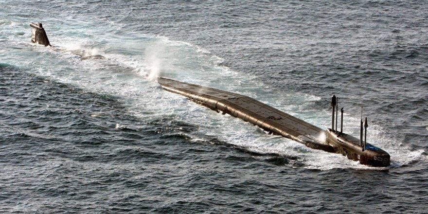 Rus nükleer denizaltısıyla Kalibr füzesi fırlatıldı