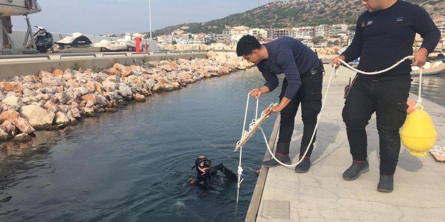 """Çeşme Marina'dan """"Kalamar Projesine"""" destek!"""