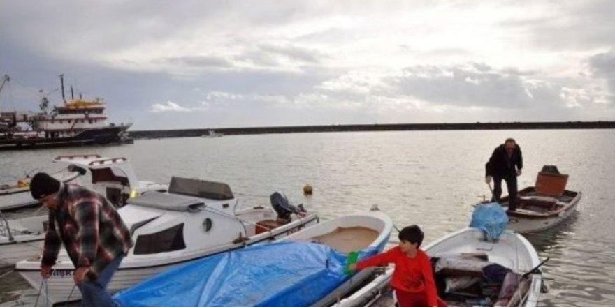 Tekirdağ'da balıkçı teknesi battı