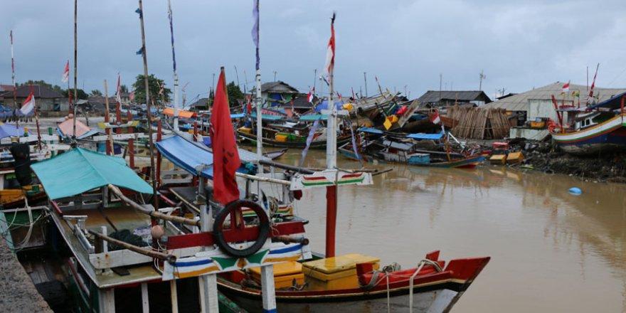 Endonezyalı balıkçılar balığa çıkamıyor