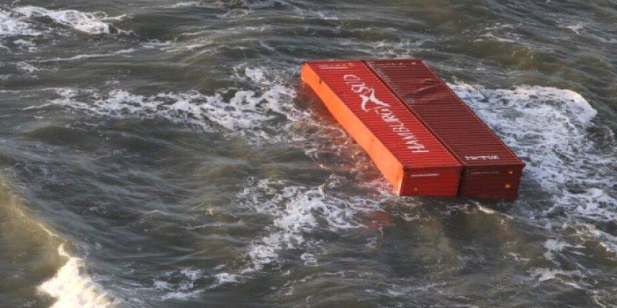 Düşen konteynerler adalara vurdu