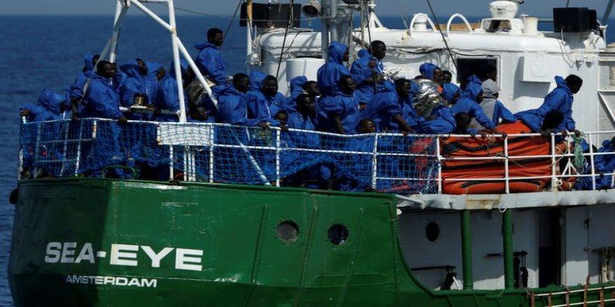 49 göçmenin çaresiz bekleyişi sürüyor
