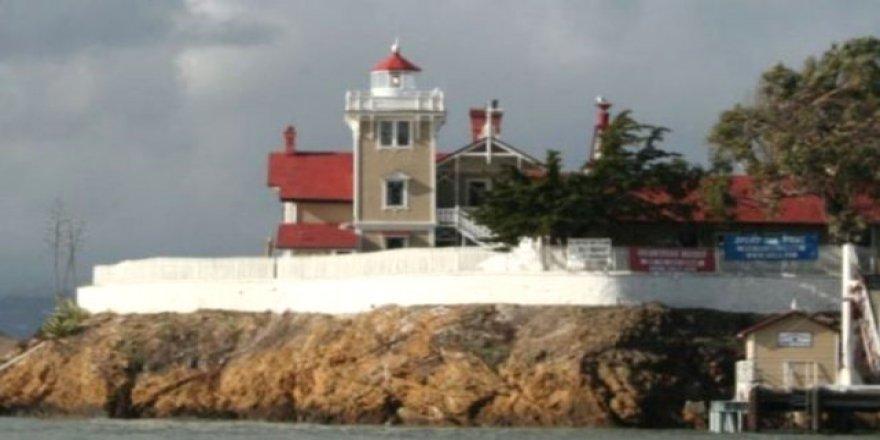 Issız ada otel 65 bin dolar maaşla personel arıyor