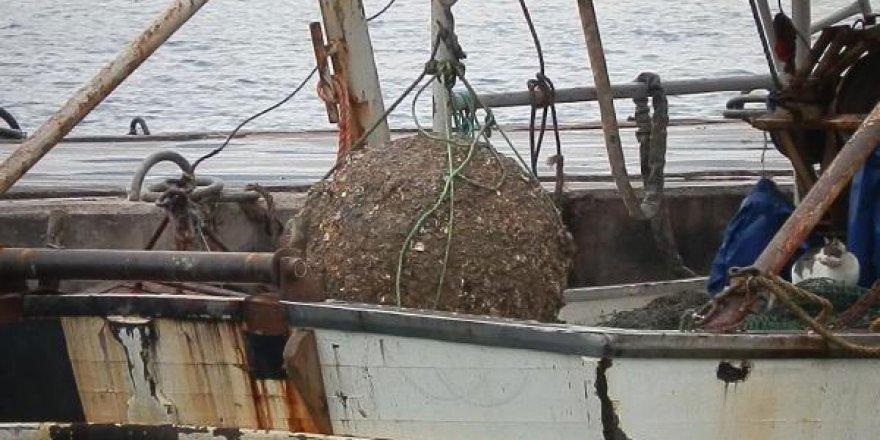 Balıkçı ağına takılan mayın incelemeye alındı