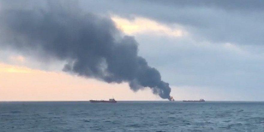 Kerç Boğazı'nda iki gemide yangın çıktı:11 ölü