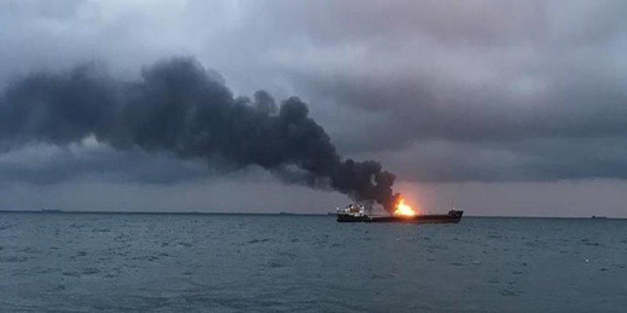 Gemi yangınında 4 Türk öldü
