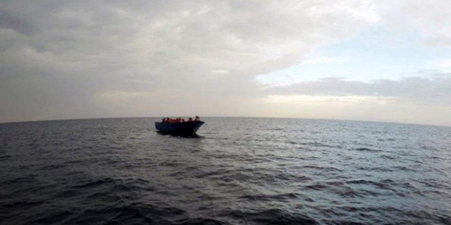Göçmenleri taşıyan tekne battı: 28 ölü