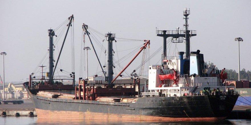 KKTC'de yük gemisi karaya oturdu!
