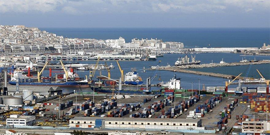 DPW Cezayir Limanı'nda grev var, gemiler giremiyor