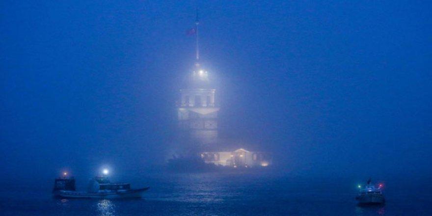 Marmara'da deniz ulaşımına sis darbesi