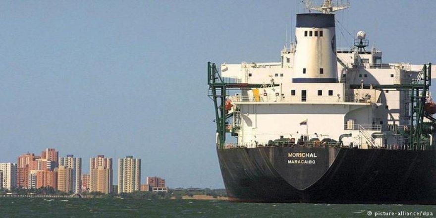 Venezuela limanları gemi çıkışına kapatıldı