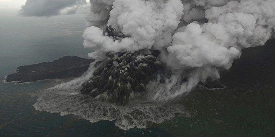 Krakatau'nun Çocuğu yine ağzını açtı