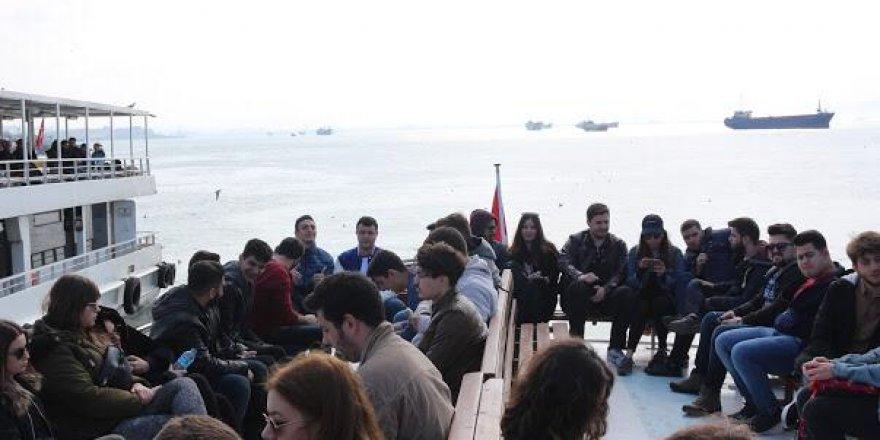 Denizci öğrencilerin bahar kahvaltısı