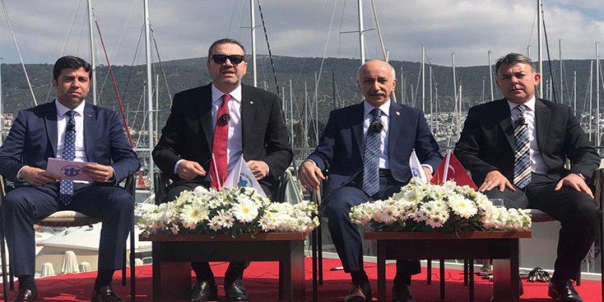 """''Türk Denizciliğine Bakış"""" paneli Bodrum'da yapıldı"""