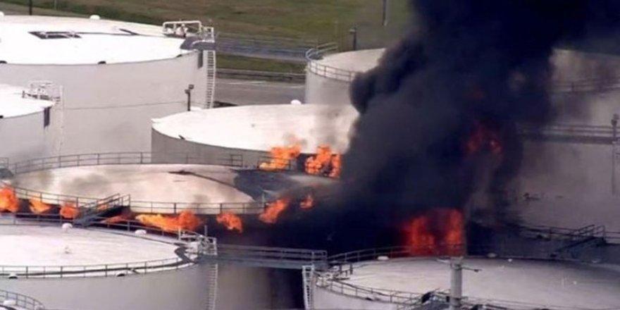 Teksas'ta rafineride yangın
