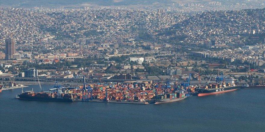 İzmir Limanına 10 çeker set alındı