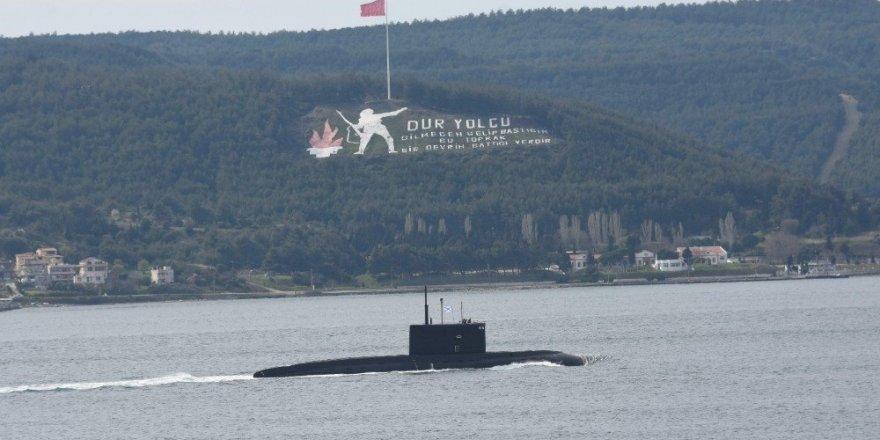Rus denizaltı Çanakkale Boğazı'ndan çıkış yaptı