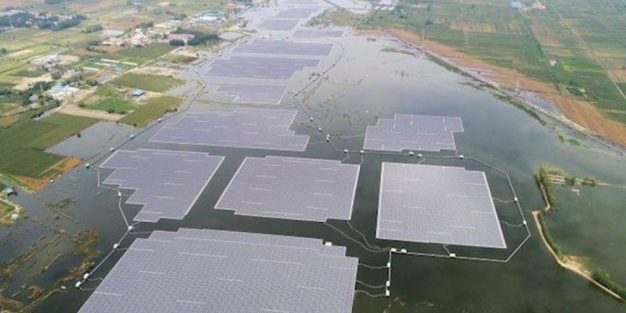 Yüzer güneş enerjisi santrali üretime başladı