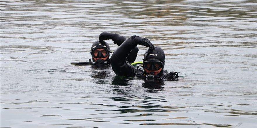 Su altı kahramanları 'kurbağa adamlar'