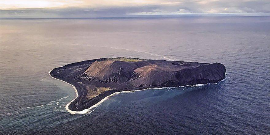 Okyanusun ortasında gizemli ada: Surtsey