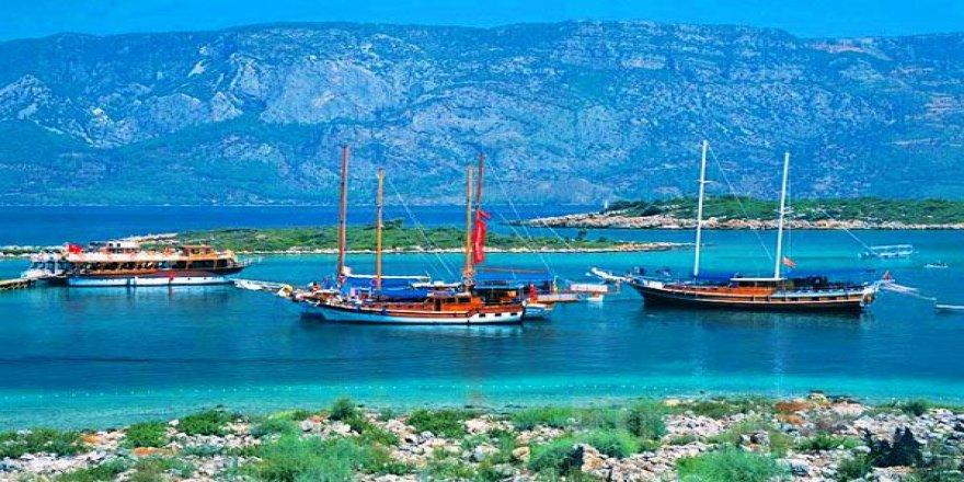 Yunanistan yabancı teknelerden, aylık ücret alacak