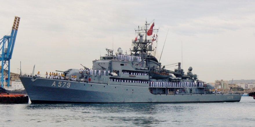 İki Türk gemisi Bulgaristan'da