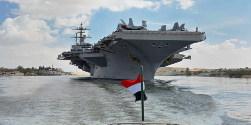ABD uçak gemisi Suveyş Kanalı'ndan geçti
