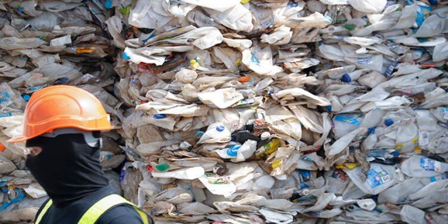 Kaçak getirilen plastik atıklar iade edildi