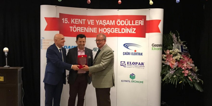 Prof. Dr. Nazlıkul'a Kent ve Yaşam ödülü