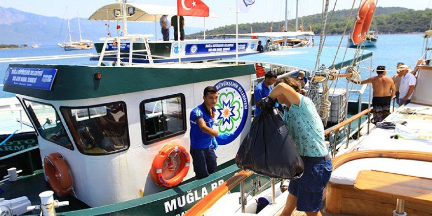 Muğla'da 4530 tekneden atık toplandı