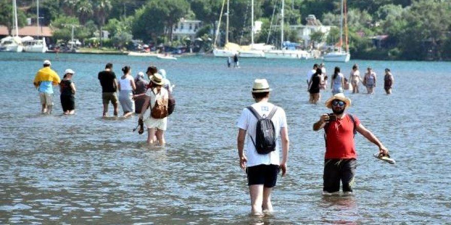Kızkumu'na turistler akın ediyor