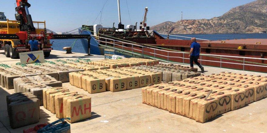 Uyuşturucu taşıyan gemiye Akdeniz'de operasyon
