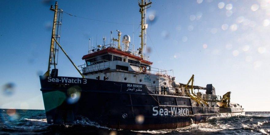 Yardım gemisi izinsiz İtalya kara sularına girdi