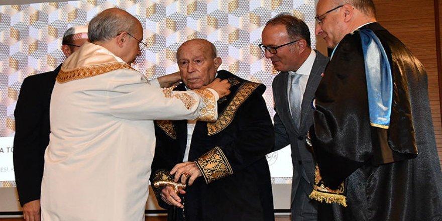 İTÜ'den Altay Altuğ'a fahri doktora verildi
