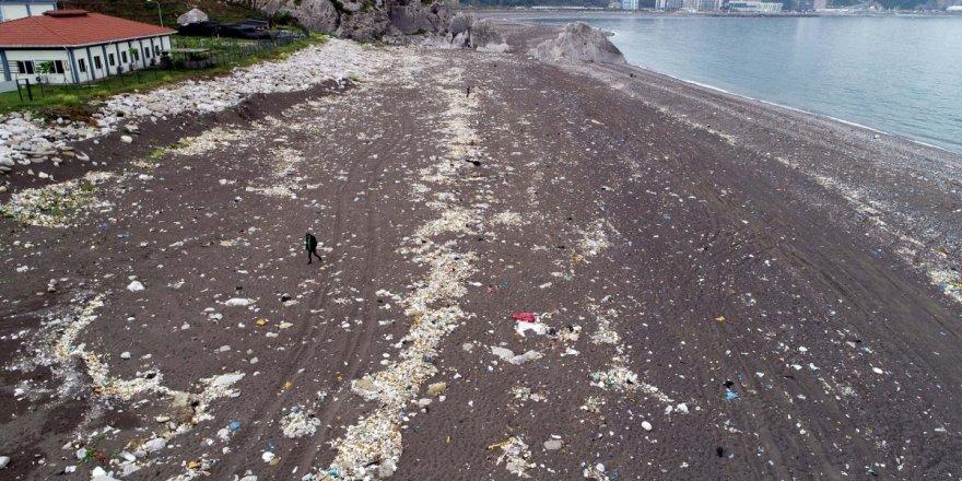 Çöp döküm alanı tehlike saçıyor