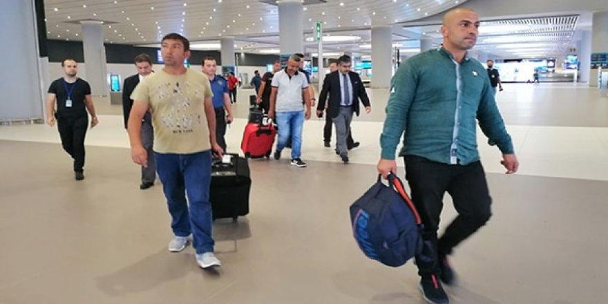 Libya'da alıkonulan 6 Türk denizci İstanbul'da