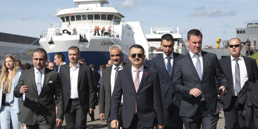 Pakdemirli Rusya'da gemi indirme törenine katıldı