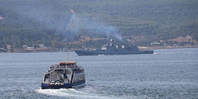 Rus gemileri peş peşe geçti
