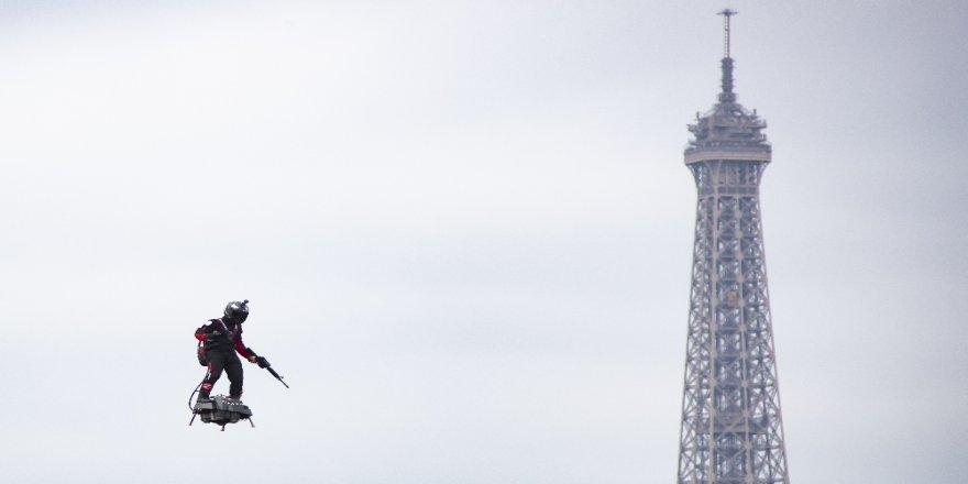 "Fransa'dan ""Uçan asker"""
