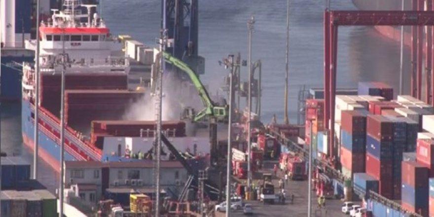 Ambarlı Limanı'nda demirli gemi alev aldı