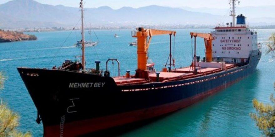 Fethiye'de kuru yük gemisi karaya oturdu