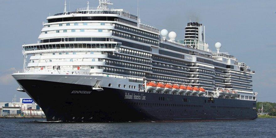 Tek gemi 3100 turist getirdi