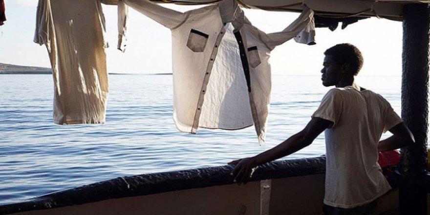 İki haftadır denizde dolaşan gemiye İspanya'dan teklif