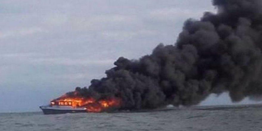 Yolcu gemisinde yangın: 3 ölü